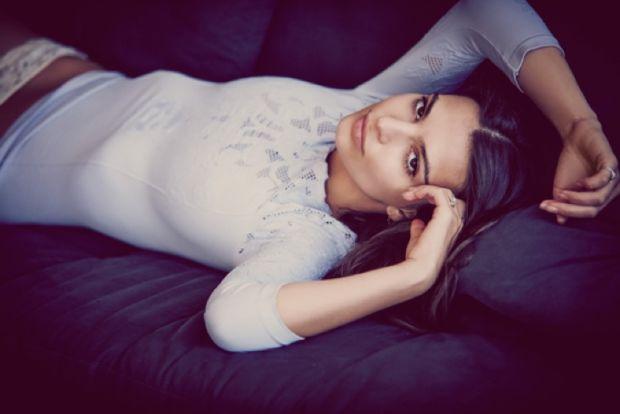 Emily Ratajkowski в фотосессии новой коллекции нижнего белья