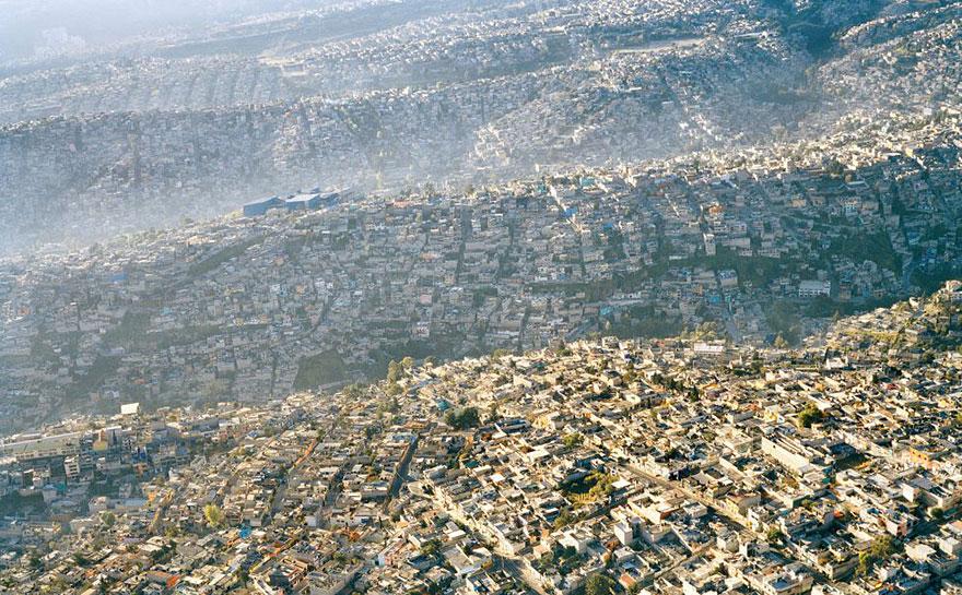 Вид на Мехико. Город населяют более 20 миллионов жителей
