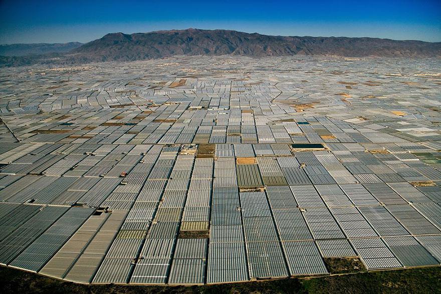 Земли застроенные теплицами. Альмера, Испания