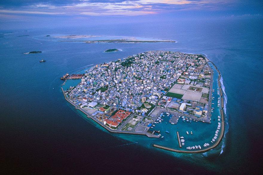 Затопление Мальдивских островов вызванное глобальным потеплением и деятельностью человека, Острова будут тонуть 50 лет