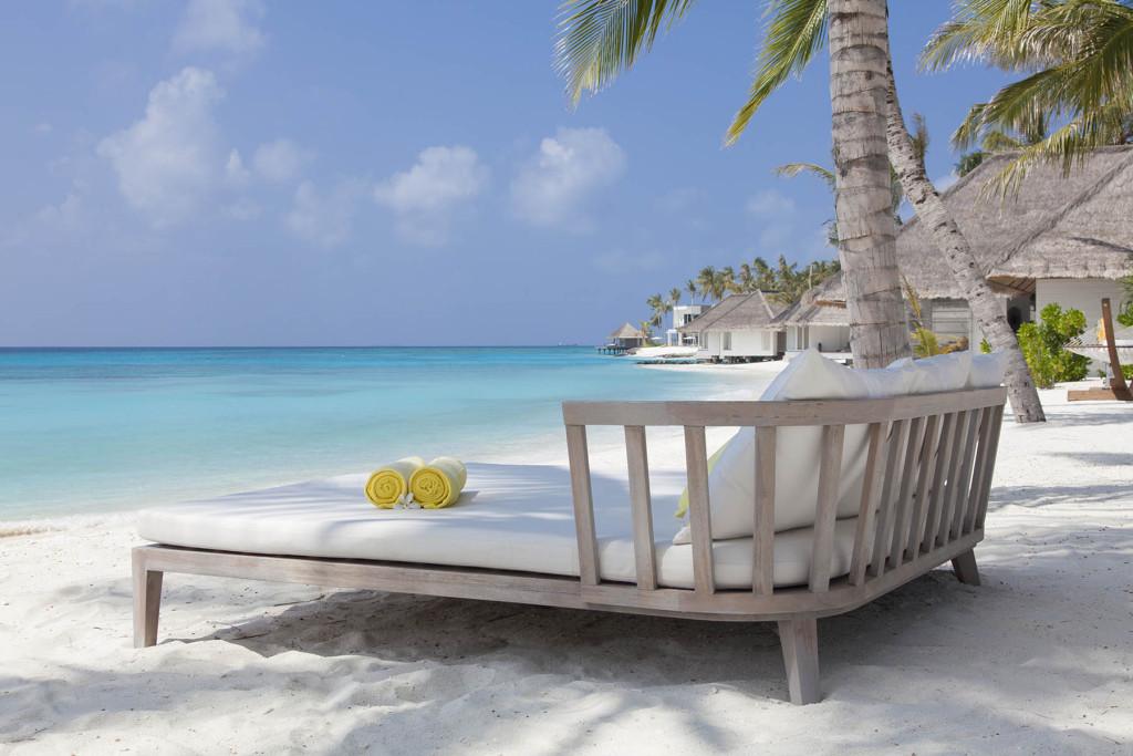 Солнечные ванны. Мальдивские острова