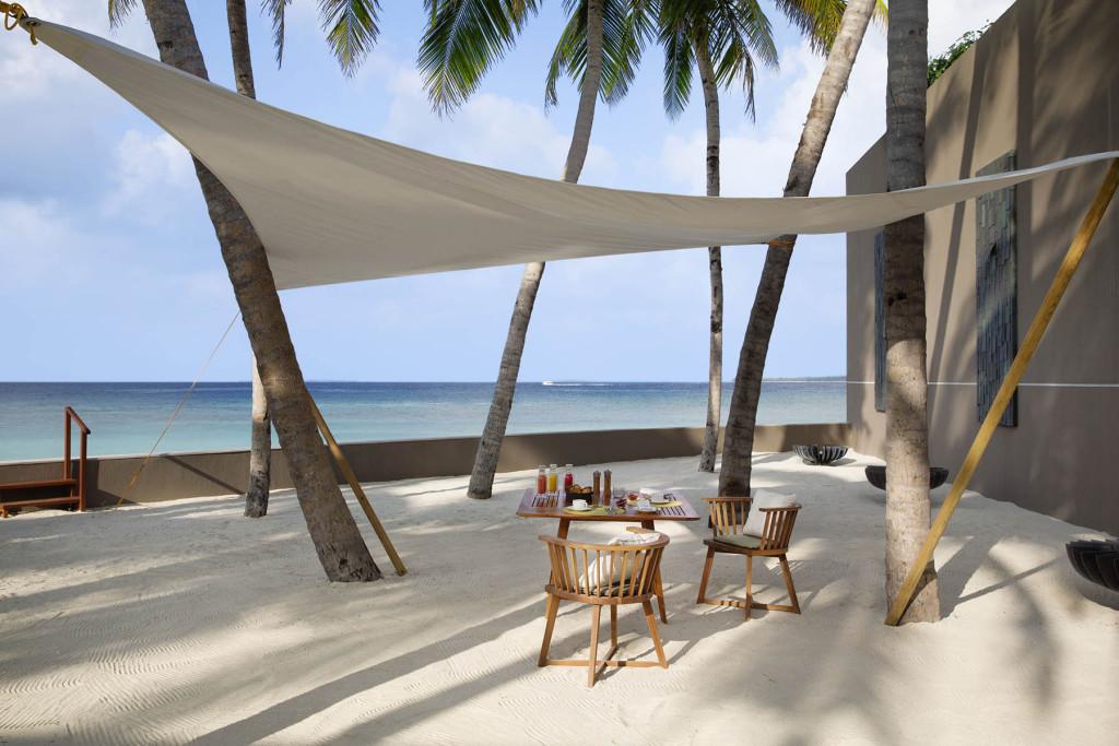 Завтрак на открытой веранде, Мальдивские острова