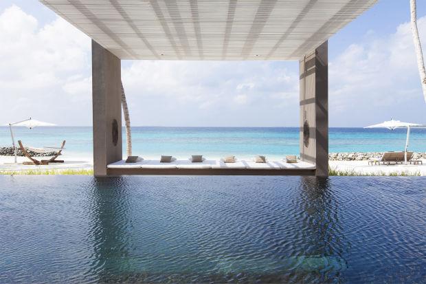 Беседка для созерцания океана. Мальдивские острова