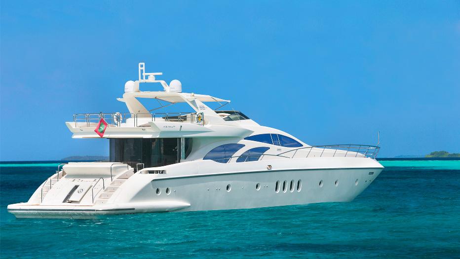 Яхта для морских развлечений. Мальдивские острова