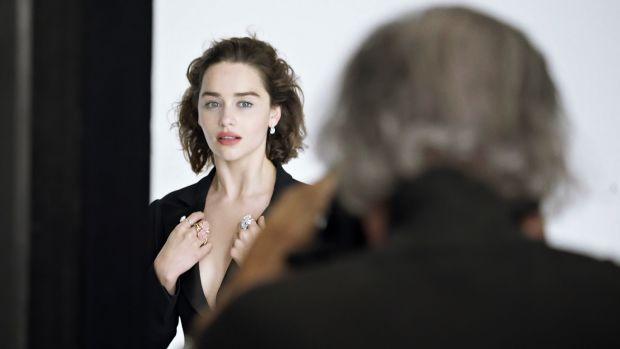 Эмилия Кларк - новое лицо рекламной кампании Диор