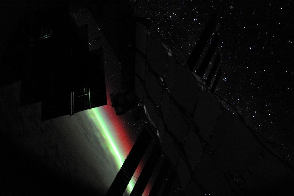 Полярное сияние, вид с борта МКС