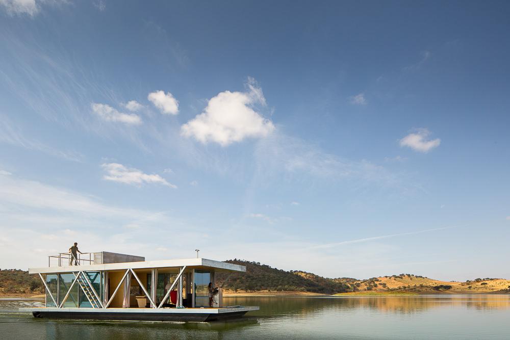 Романтичный плавающий дом Friday