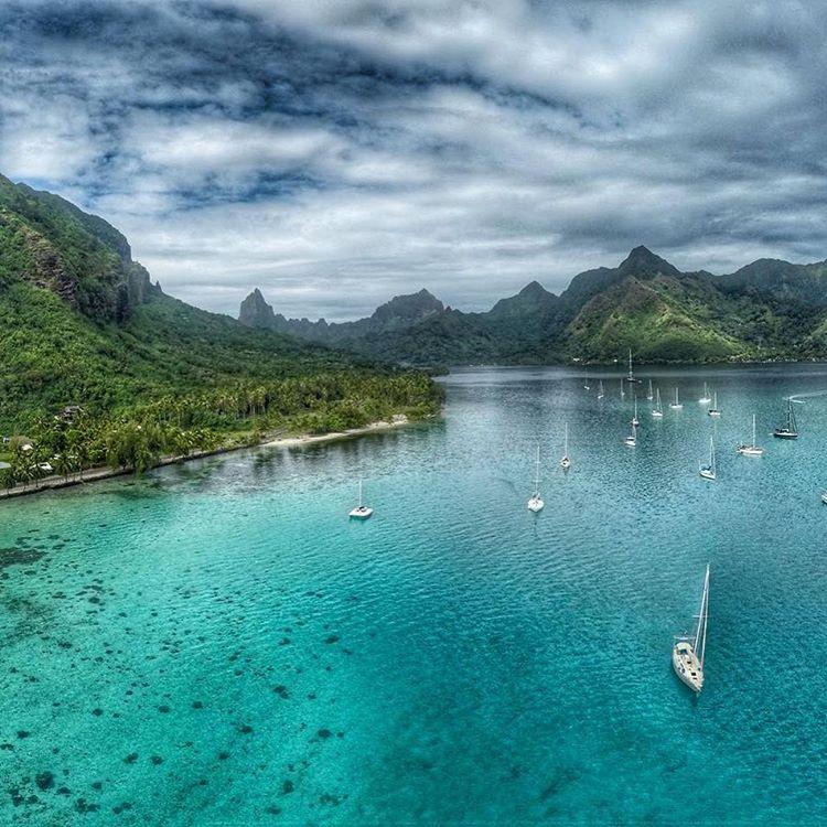 Фото с высоты, яхты, Таити