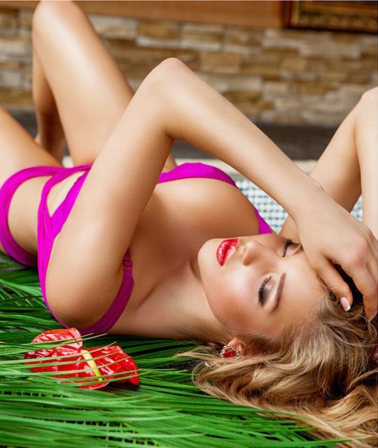 Анастасия Михайлюта, Юная краса России в бикини