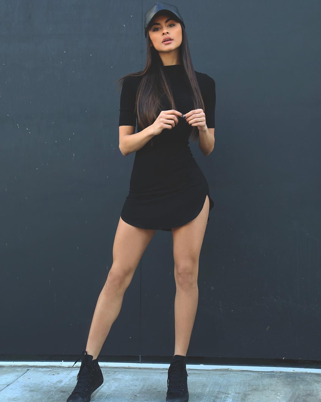 София Миакова в классном платье