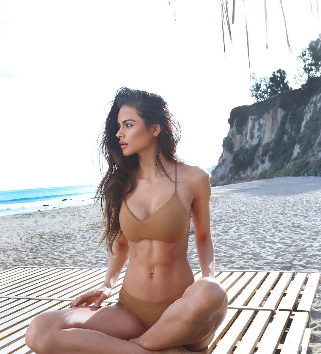 София Миакова в бикини - самый сексуальный фитнес-тренер