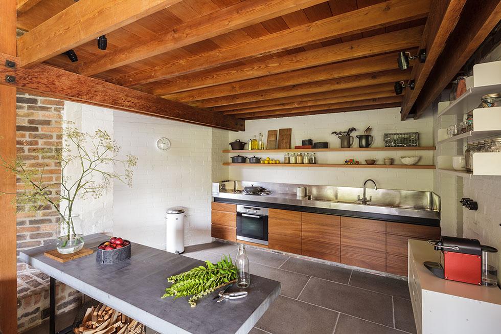 Ansty Plum стильная минималистичная кухня