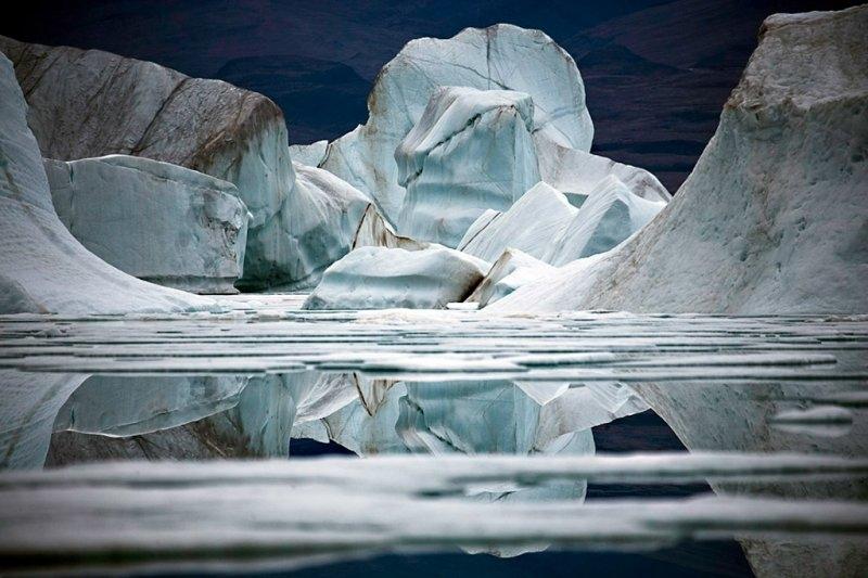 Отражения. Недалеко от острова Элсмир, фотограф Себастьян Коупленд