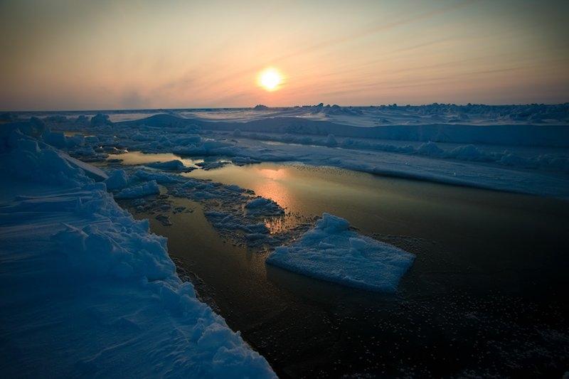 Полынья на пути к Северному полюсу, вблизи 86-й широты, фотограф Себастьян Коупленд