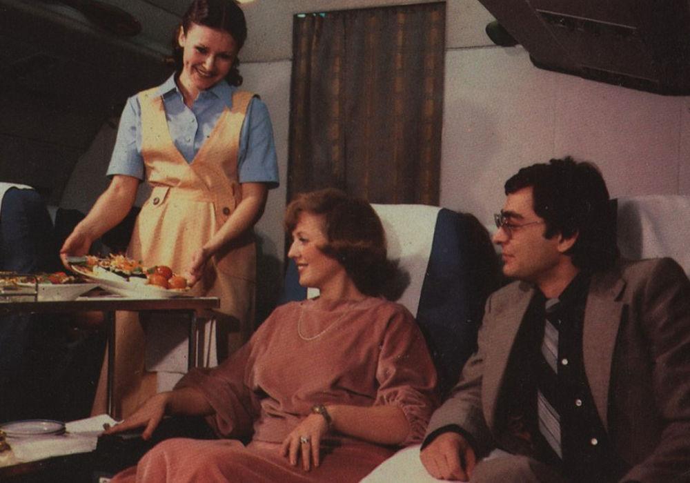 Обед на борту советского авиалайнера