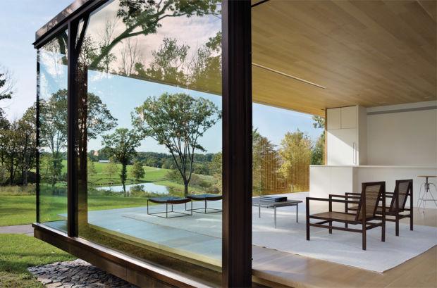 Стильный стеклянный дом в американской глубинке