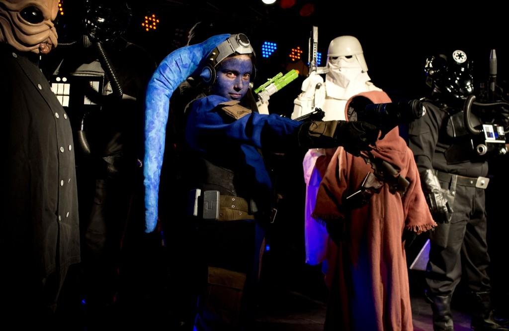 Ежегодный фестиваль НЛО и пришельцев в Аргетине, костюмы персонажей Звездных войн