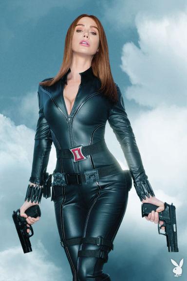 Сара Джин Андервуд в образе Черной вдовы (Скарлетт Йоханссон), Мстители