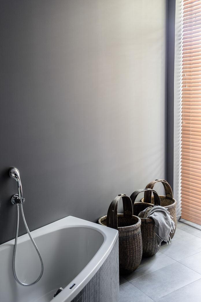 Traveller's Home ванная комната, плетеные корзины