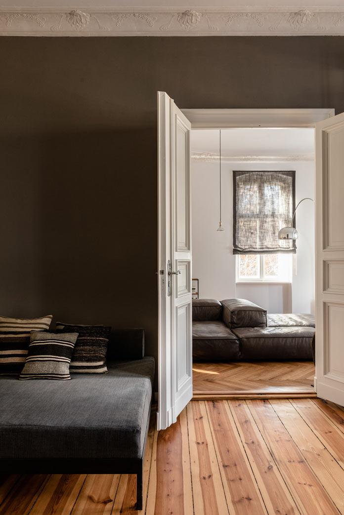 Traveller's Home аскетичный интерьер для холостого мужчины