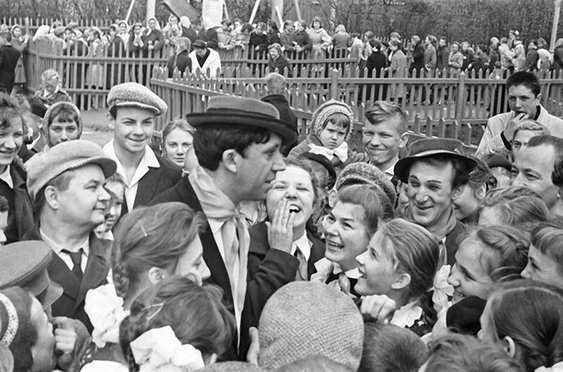 Юрий Никулин и Михаил Шуйдин 1962 год