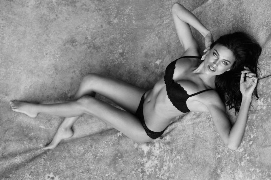 Ирина Шейк в новой коллекции нижнего белья