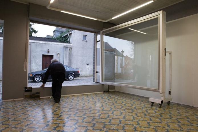 Бельгиец Эрик Векман построил секретный гараж