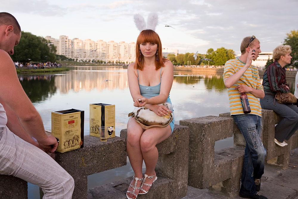 Минск, Белоруссия. Люди на набережной