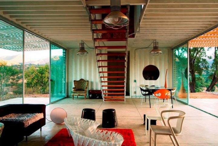 Ультра-современный дом из контейнеров