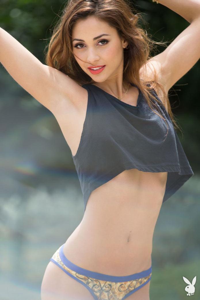 Актриса Линдси Морган в бикини для журнала Playboy