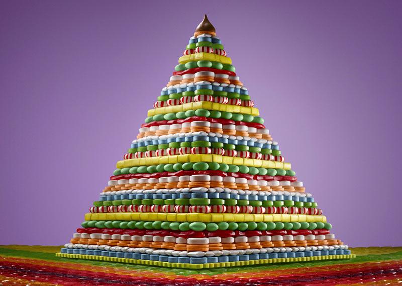 Пирамида из печенья и конфет, автор Сэм Каплан
