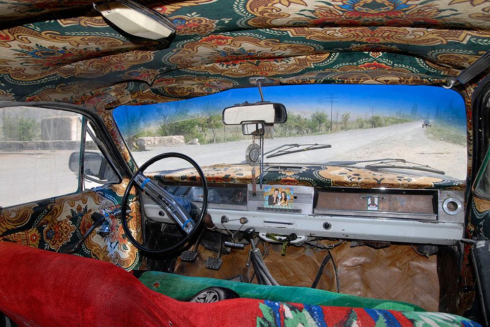 Айни, Таджикистан. ВАЗ 2101 с разукрашенным салоном