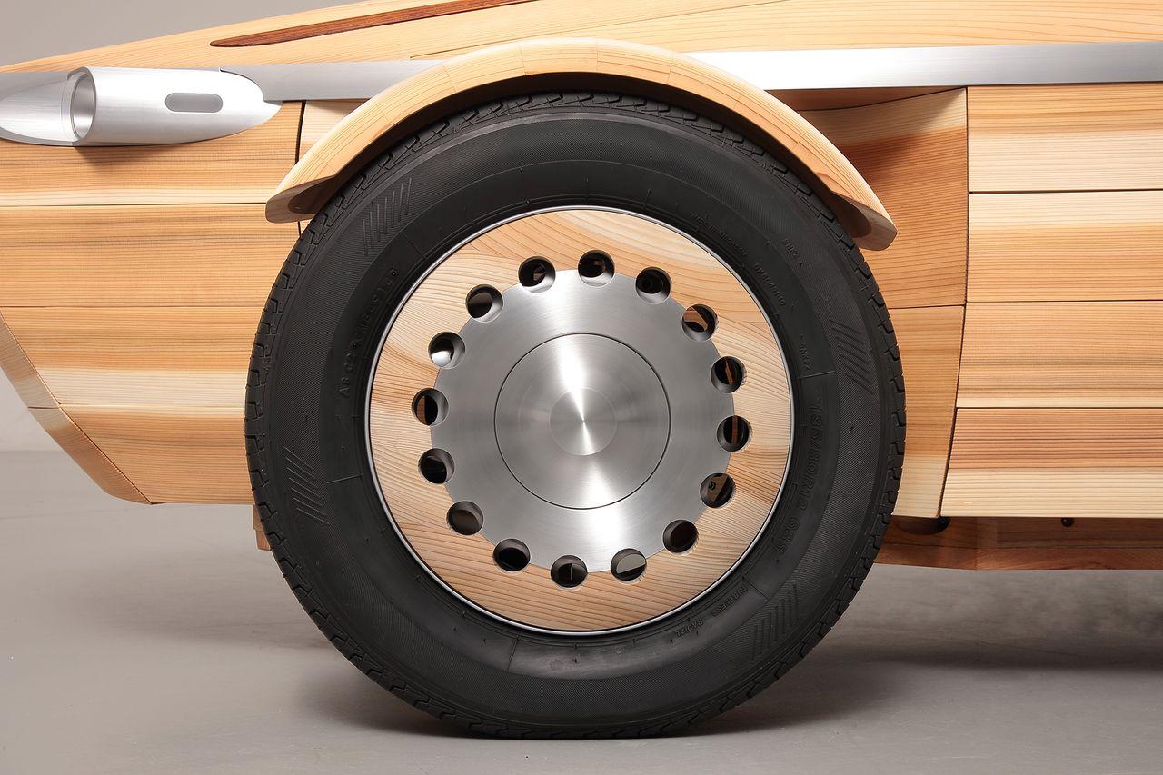 Деревянный автомобиль Toyota Setsuna