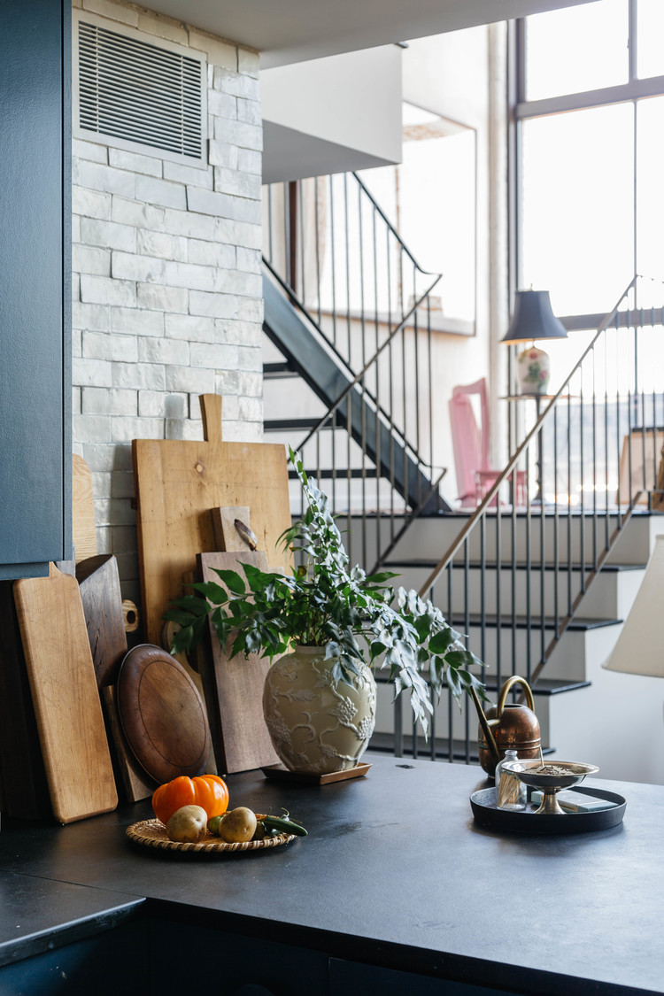Кухня лофт в Нью-йорке. Williamsburg Waterfront Loft by Space Exploration