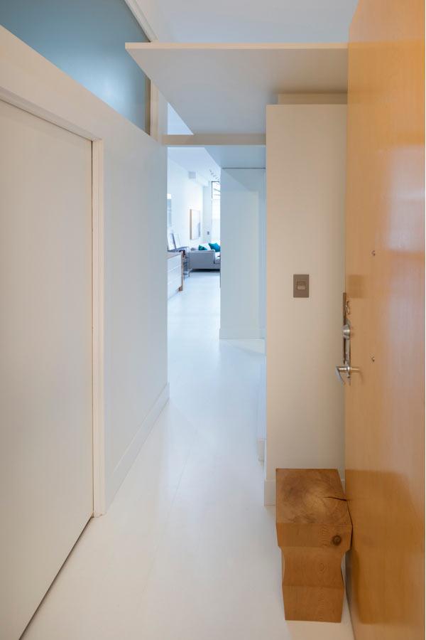 Стильный лофт в оттенках белого. Ванкувер, Канада