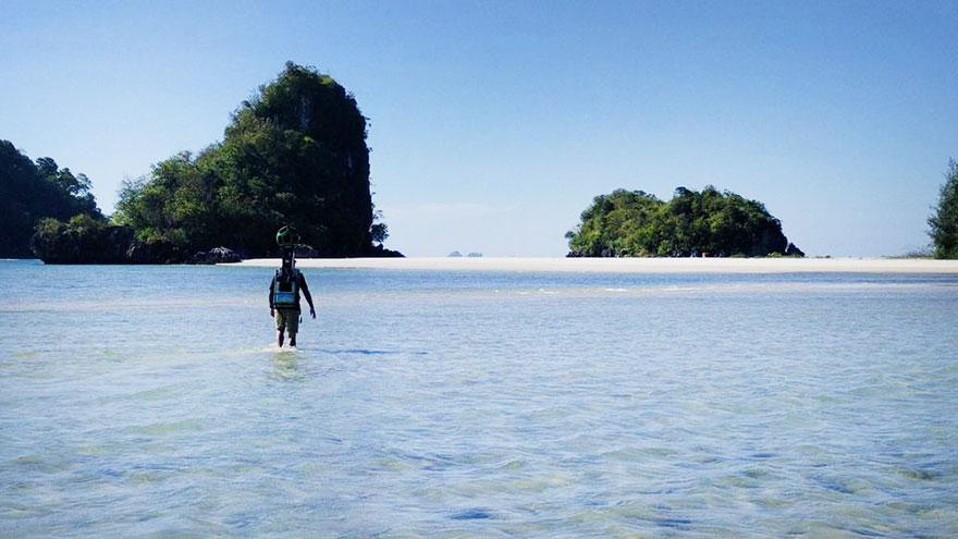 Житель Таиланда прошел 500 километров с камерой на спине. Два года он снимал труднодоступные, красивые места для Google's Street View