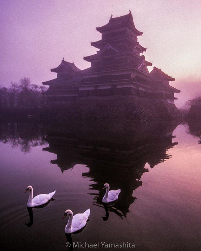 Замок Мацумото, 16 век, Япония. Один из трех хорошо сохранившихся старейших замков Японии