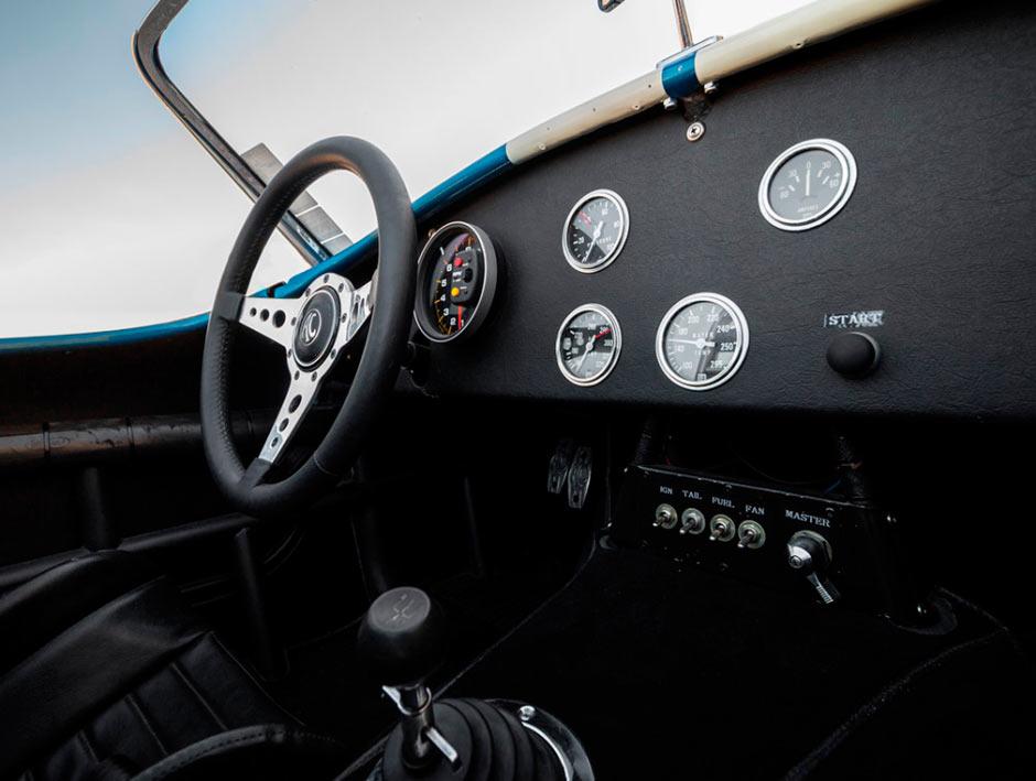 Shelby Cobra 289 CSX 2326 1964 года, приборная панель