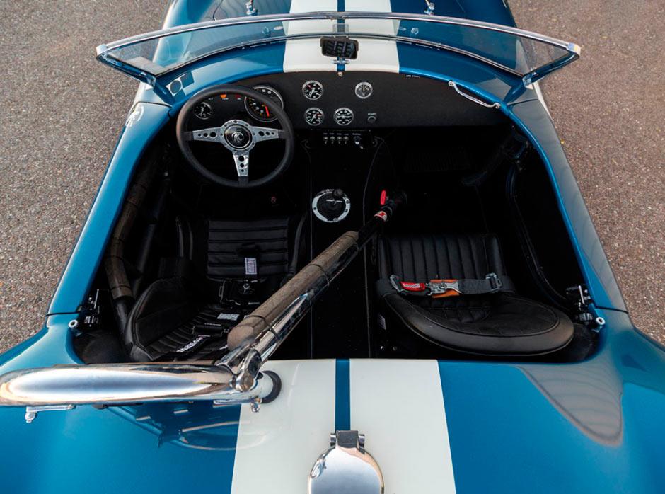 Shelby Cobra 289 CSX 2326 1964 года, вид на салон