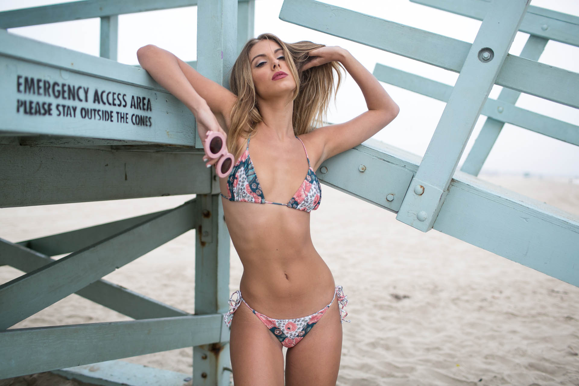 Carmella Rose on the beach, девушки в бикини