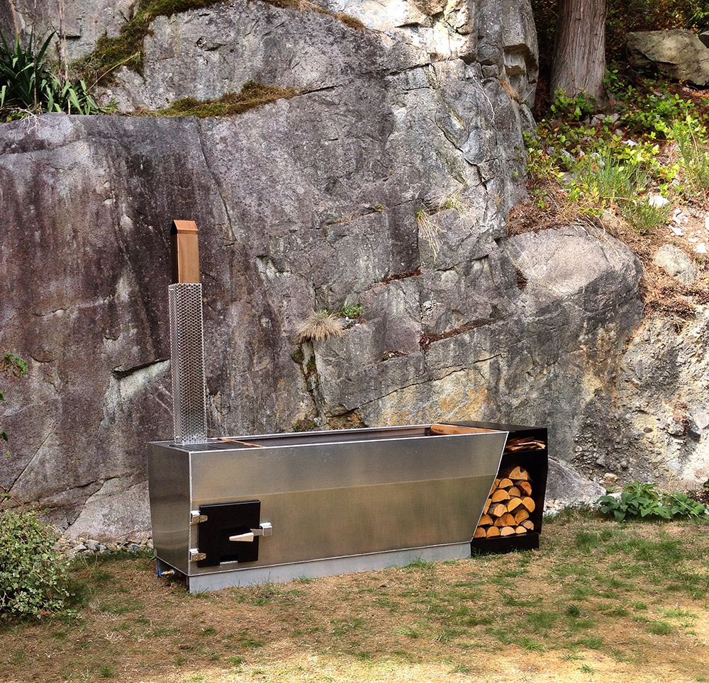Уличная ванна с подогревом на дровах