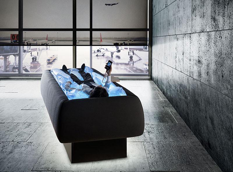 Сон на работе. Кровать сухой бассейн