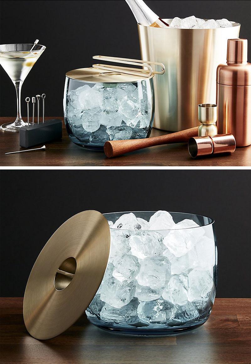 Домашний бар, роскошное ведерко для льда. Orb Aqua Ice Bucket from Crate & Barrel