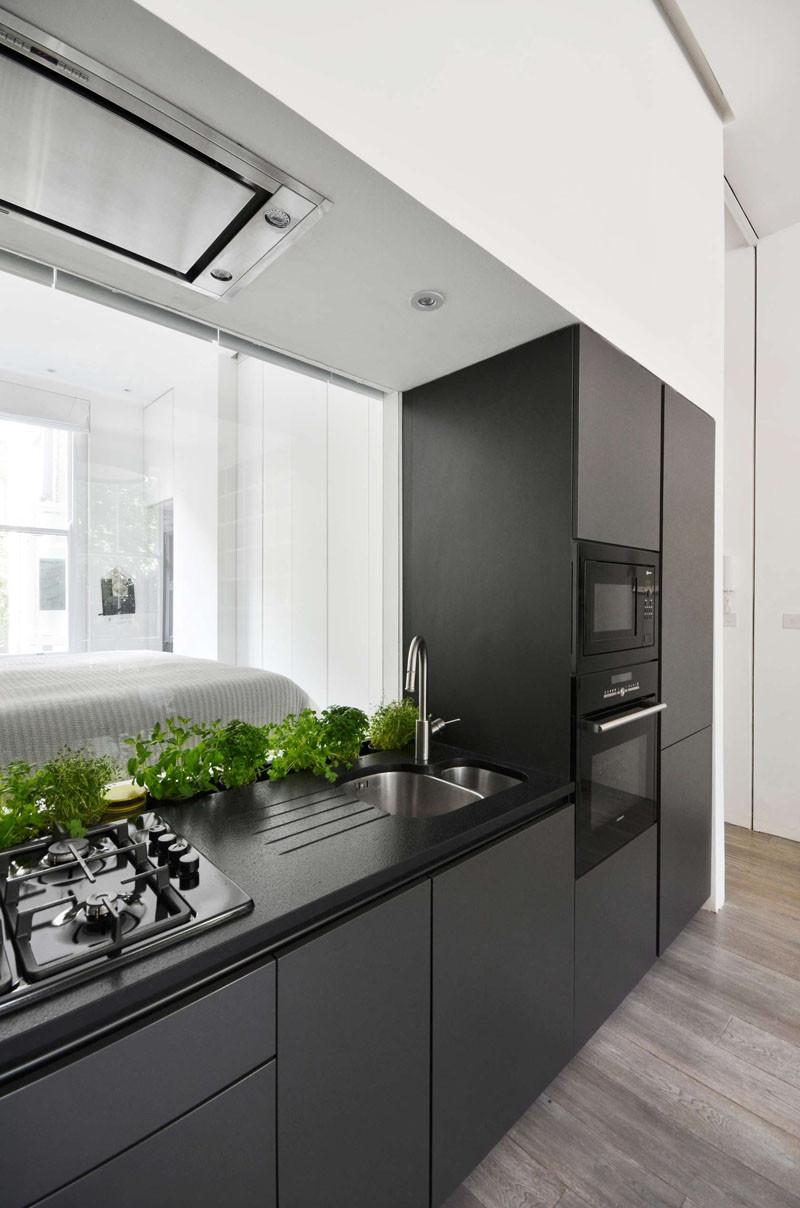 окно из кухни в спальню, Лондонские апартаменты