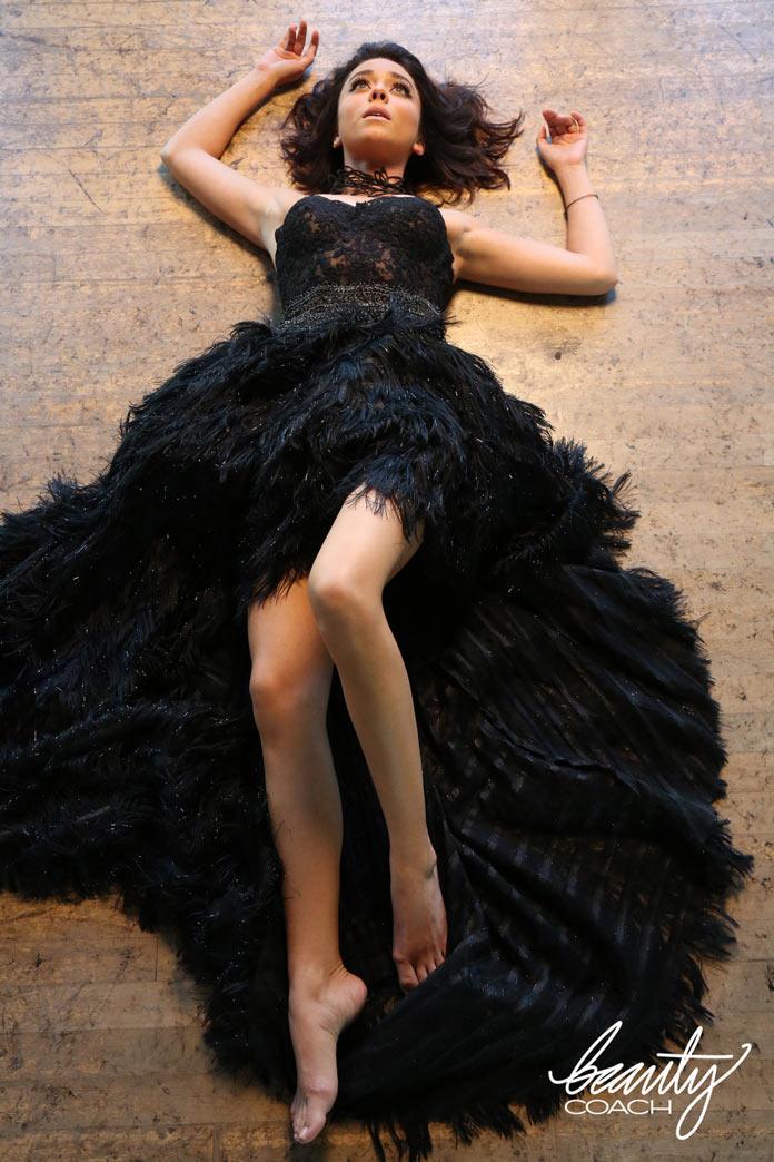 Сара Хайланд в образе Черного лебедя