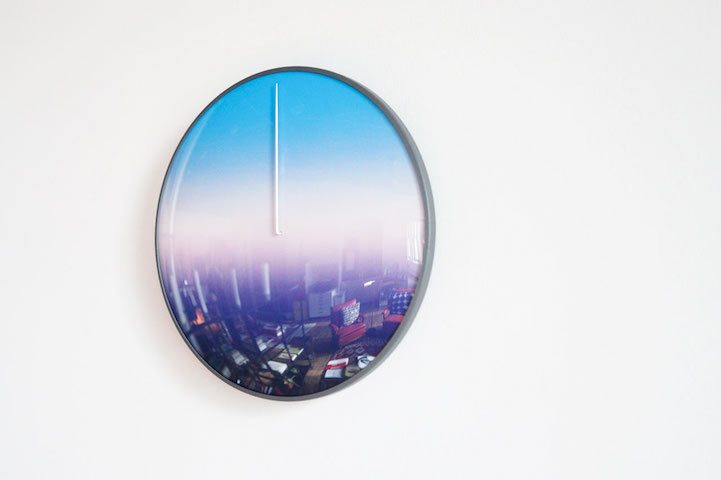Необычные настенные часы Today Clock