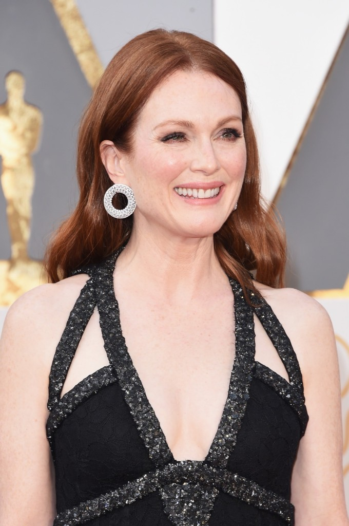 Julianne Moore attends the 88th Annual Academy Awards