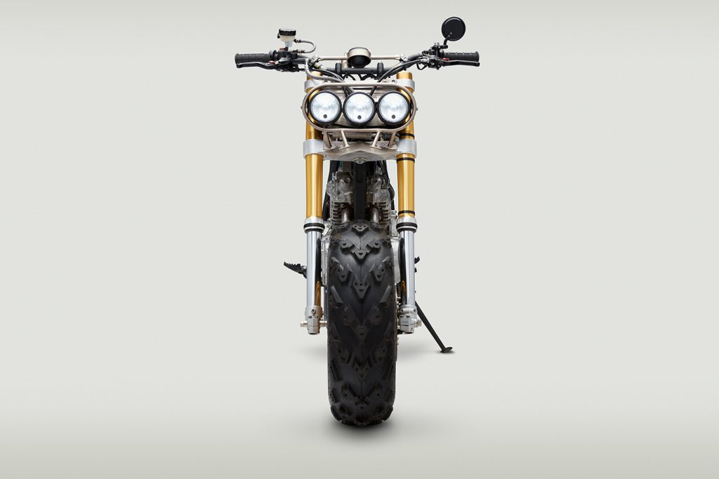 Classified Moto BW650 front